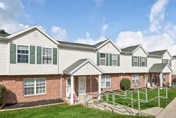 200 Willow Greene Dr. 1-4 Beds Apartment for Rent Photo Gallery 1