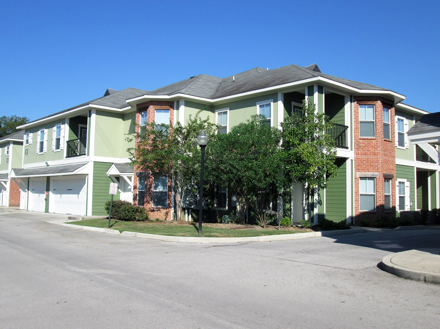 Exterior at Highlands of Grand Pointe Apartments in Lafayette, LA