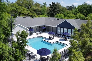 2421 Jackson Bluff Road 3-4 Beds Apartment for Rent Photo Gallery 1