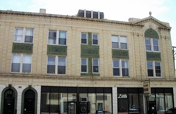 4755 N. Sawyer 1-2 Beds Apartment for Rent Photo Gallery 1