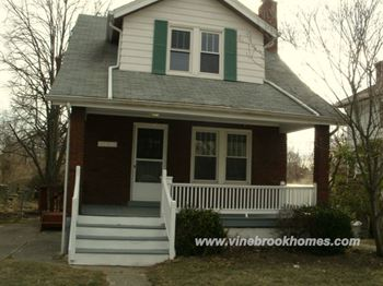 3454 Mayfair Avenue 3 Beds House for Rent Photo Gallery 1