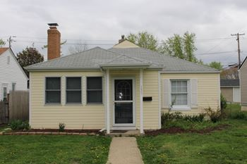155 S 6th Ave 3 Beds House for Rent Photo Gallery 1