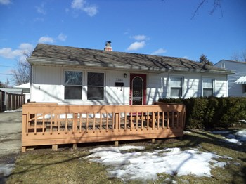 2206 Detroit Street 3 Beds House for Rent Photo Gallery 1
