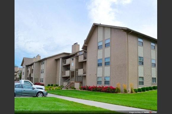 High Point East Apartments 9400 E Lincoln Wichita Ks Rentcaf 233