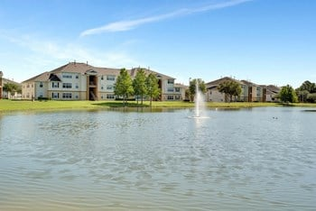 5000 Millenia Blvd 1-4 Beds Apartment for Rent Photo Gallery 1