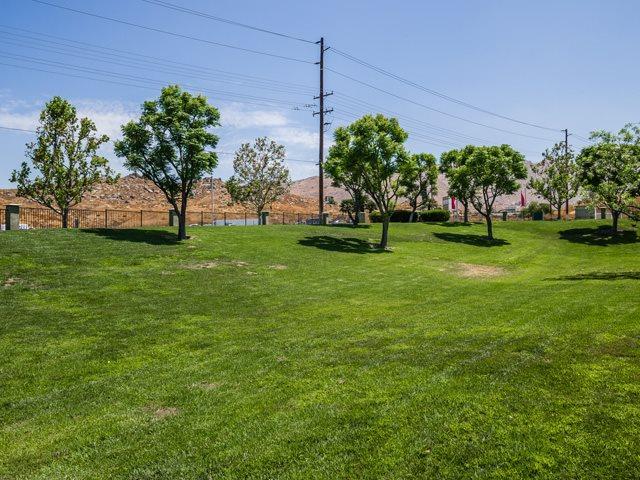 Beautifully-Landscaped Grounds at The Hills at Quail Run Apartments, California, 92507