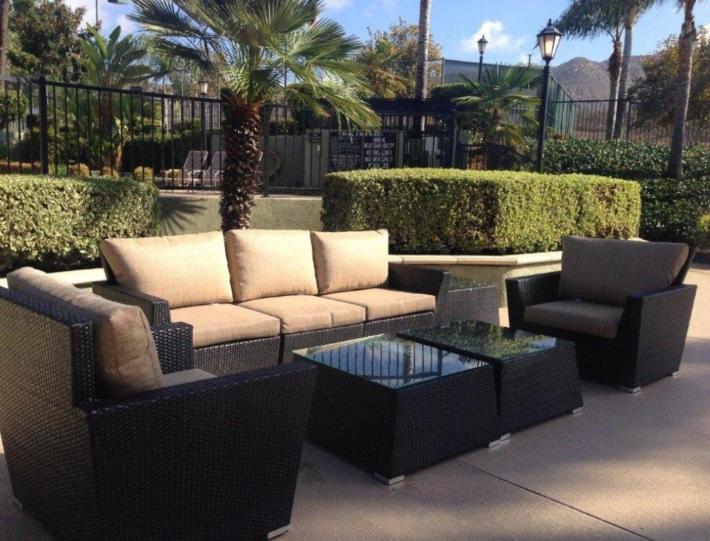 Outdoor Resident Lounge at The Hills at Quail Run, California, 92507