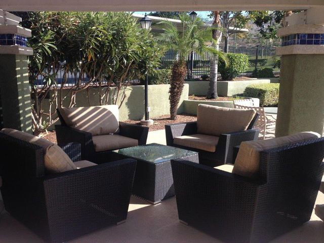 Outdoor Resident Lounge at The Hills at Quail Run, Riverside, CA,92507