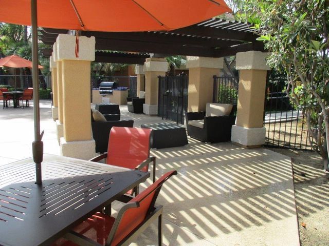 Outdoor Relaxing Area at The Hills at Quail Run, Riverside, CA,92507