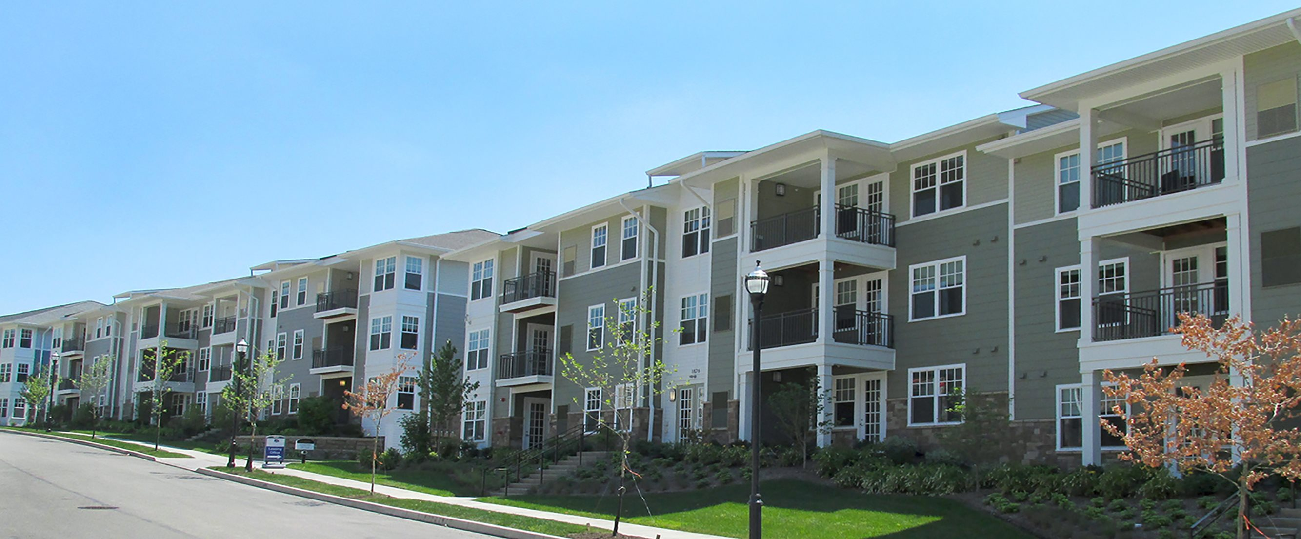 Exterior view of Gateway at Summerset in Pittsbugh Pa