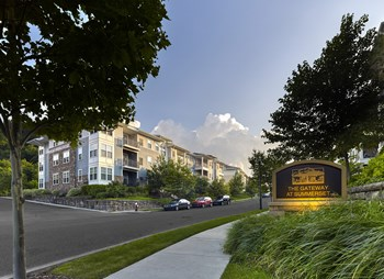 1876 Parkview Blvd, Suite 102 1-2 Beds Apartment for Rent Photo Gallery 1