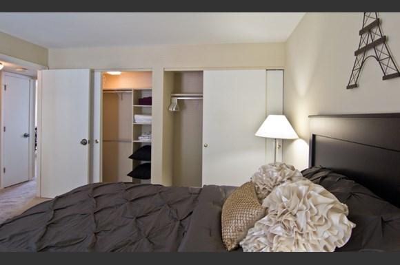 Williamsburg Of Cincinnati Apartments 200 West Galbraith