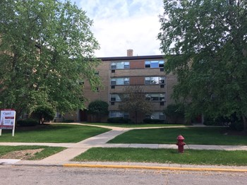 4901-15 Crain Studio-2 Beds Apartment for Rent Photo Gallery 1