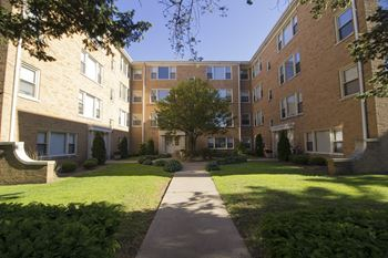 4615 Davis St 1-2 Beds Apartment for Rent Photo Gallery 1