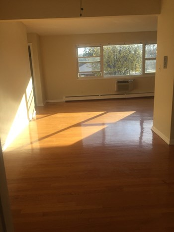 560 Princeton St 1-2 Beds Apartment for Rent Photo Gallery 1