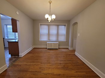 2635 W Granville 1-3 Beds Apartment for Rent Photo Gallery 1