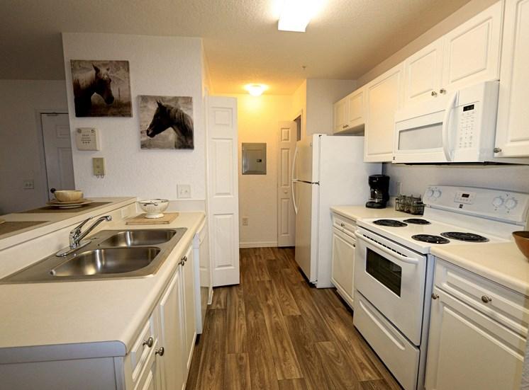 Ridgepointe Kitchen