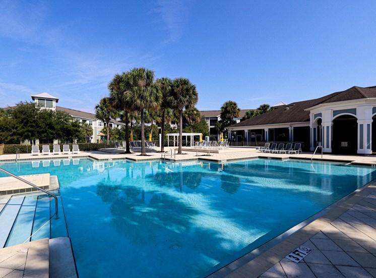 Glen Clubhouse Pool