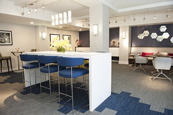 3939 Glenwood Avenue Studio-2 Beds Apartment for Rent Photo Gallery 1