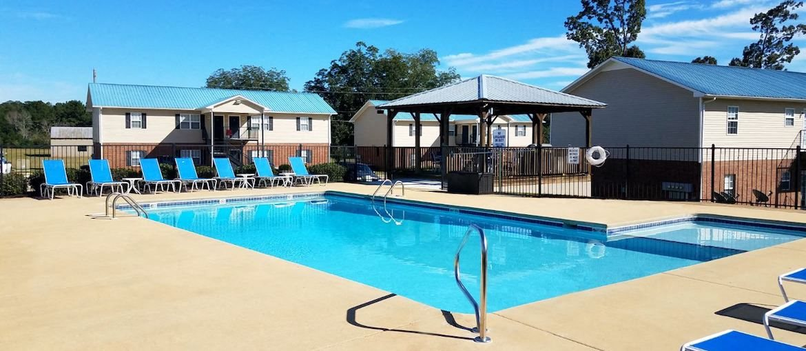 Mountain View Apartments in Anniston community swimming pool