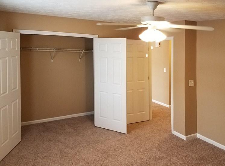 Mountain View Apartments Oxford AL Anniston, AL 36207 spacious closets