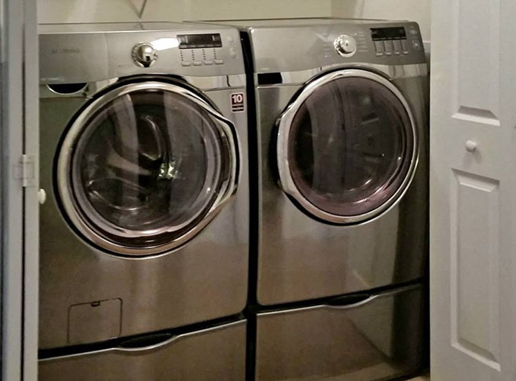 Mountain View Apartments in Anniston near Oxford washer dryer