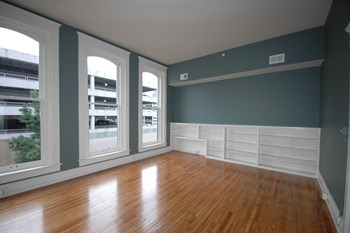 566 South 4th Street 1-2 Beds Apartment for Rent Photo Gallery 1