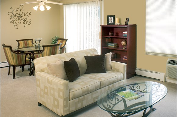 Yorktown Apartments 10 Coronado Ct Madison Wi Rentcaf