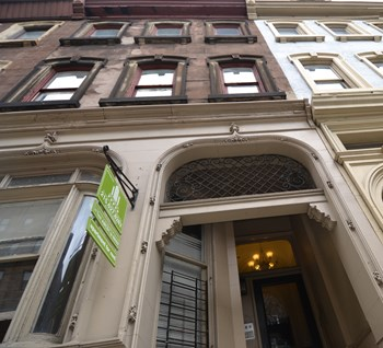 2209 Walnut Street Studio-2 Beds Apartment for Rent Photo Gallery 1