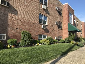 1835 Johnston Street Studio-2 Beds Apartment for Rent Photo Gallery 1