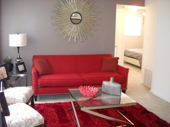 11 N Laburnum Ave 2 Beds Apartment for Rent Photo Gallery 1