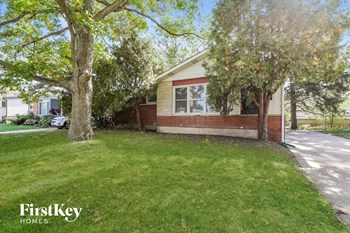 14 E Willow Dr 5 Beds House for Rent Photo Gallery 1
