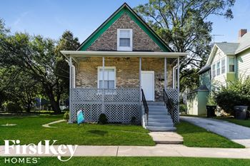 542 Oak St 5 Beds House for Rent Photo Gallery 1