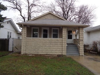 238 157th St 3 Beds House for Rent Photo Gallery 1