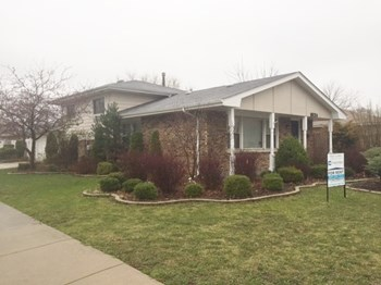 18024 Crawford Ave 3 Beds House for Rent Photo Gallery 1