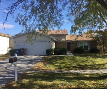 22551 Clarendon Ave 3 Beds House for Rent Photo Gallery 1
