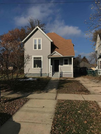374 Jay St 5 Beds House for Rent Photo Gallery 1