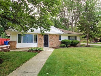 101 Shabbona Dr 3 Beds House for Rent Photo Gallery 1