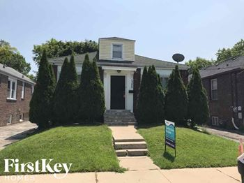 1305 W Paul St. 4 Beds House for Rent Photo Gallery 1
