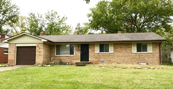 4810 N Kenmore Road 3 Beds House for Rent Photo Gallery 1