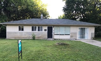 5426 E 41st Street 3 Beds House for Rent Photo Gallery 1