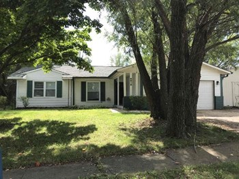 8819 TIMBERWOOD DR 3 Beds House for Rent Photo Gallery 1