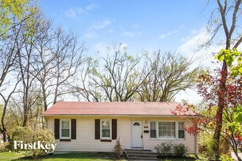 2425 S Lees Summit Rd 3 Beds House for Rent Photo Gallery 1