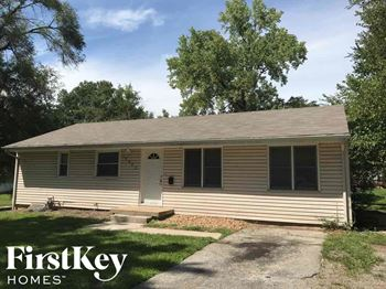 10800 E 50th Street 3 Beds House for Rent Photo Gallery 1