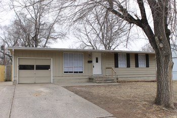 8702 E 91st Terr 3 Beds House for Rent Photo Gallery 1