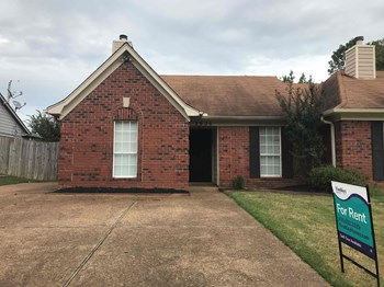 3926 Oak Branch Circle W 3 Beds House for Rent Photo Gallery 1