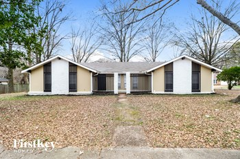 3227 Lynchburg Street 3 Beds House for Rent Photo Gallery 1