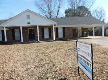 2808 Emerald Street 3 Beds House for Rent Photo Gallery 1