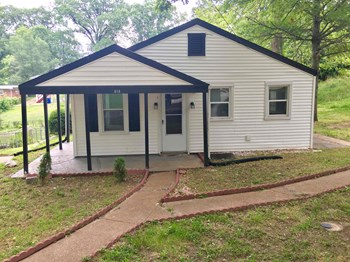 818 Arline 3 Beds House for Rent Photo Gallery 1