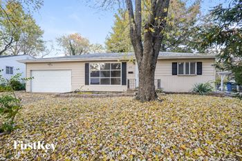 649 Village Square 3 Beds House for Rent Photo Gallery 1